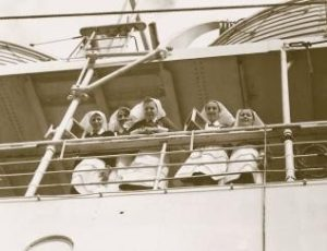 Canadian Army Medical Corps Nursing Sisters setting sail for England circa 1915